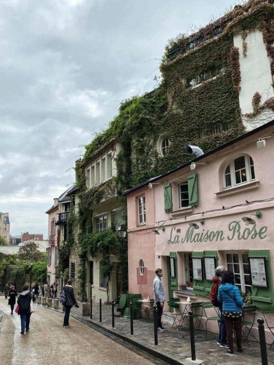 Montmartre - places to visit in Paris