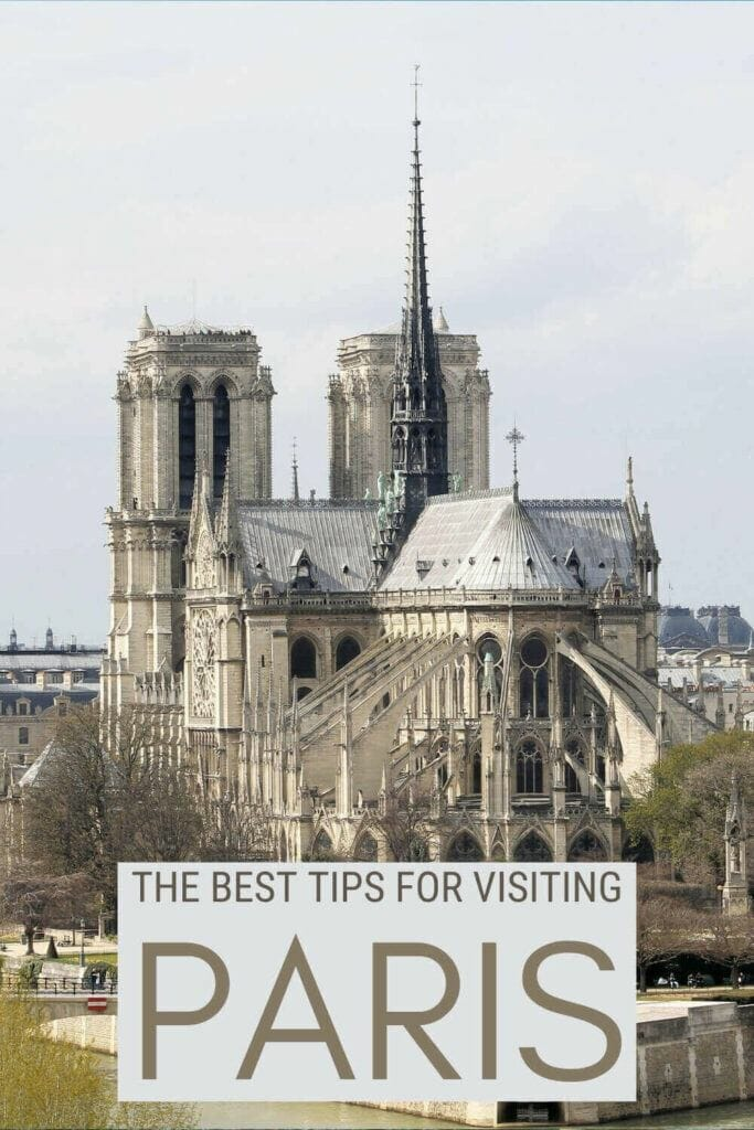 Discover the best tips for visiting Paris - via @clautavani
