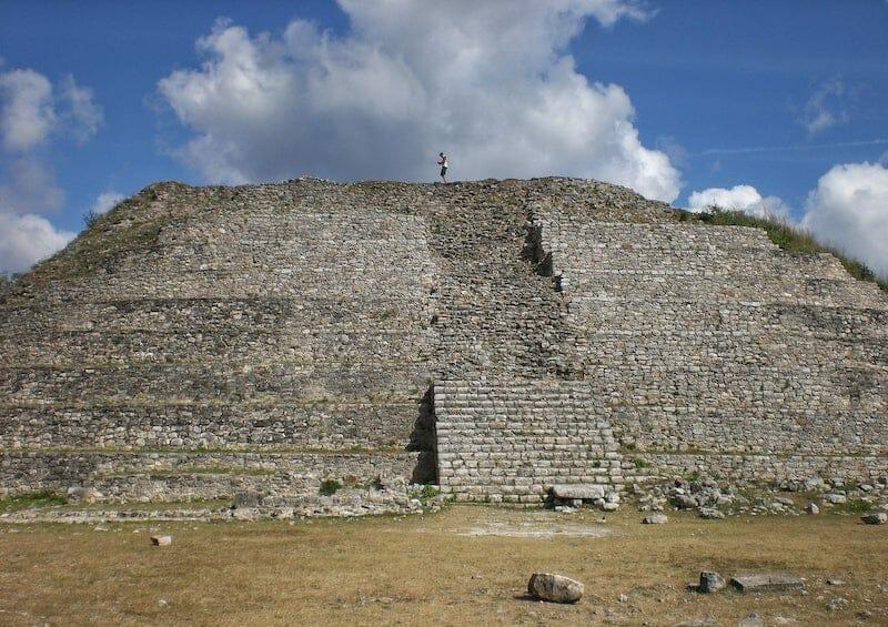 Izamal pyramid